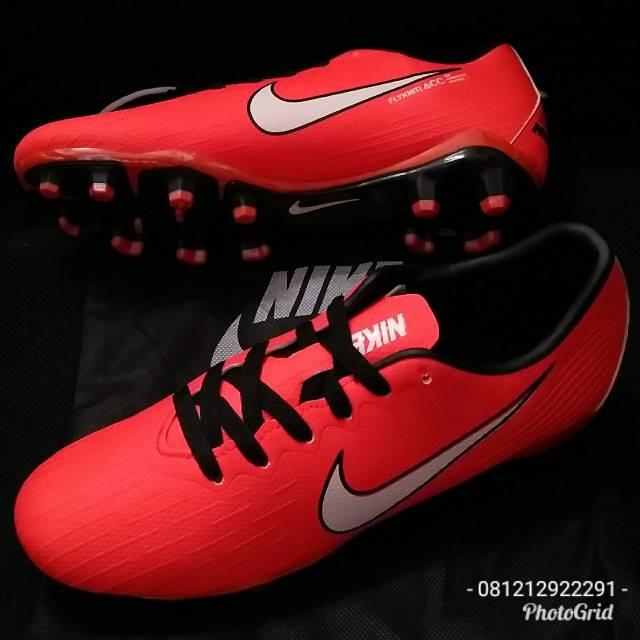 ff12e7905 Sepatu Bola Desain Nike Tiempo Lite IV IC Indoor Low whtie Ukuran 39 ...