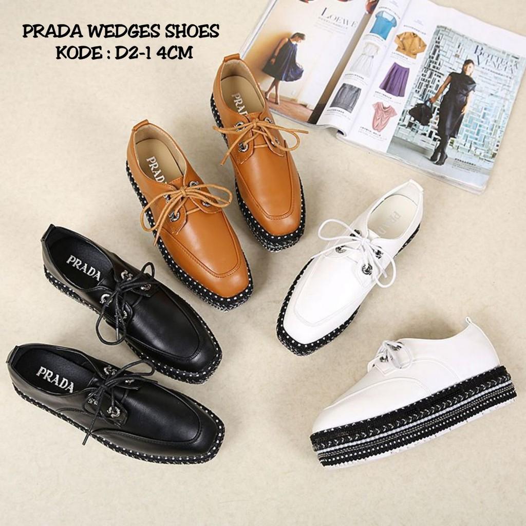Sepatu prada  db2781f6a6