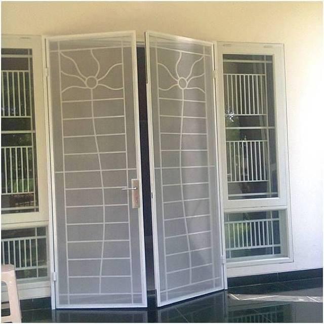 Pintu Kasa Nyamuk Besi Bina Karya