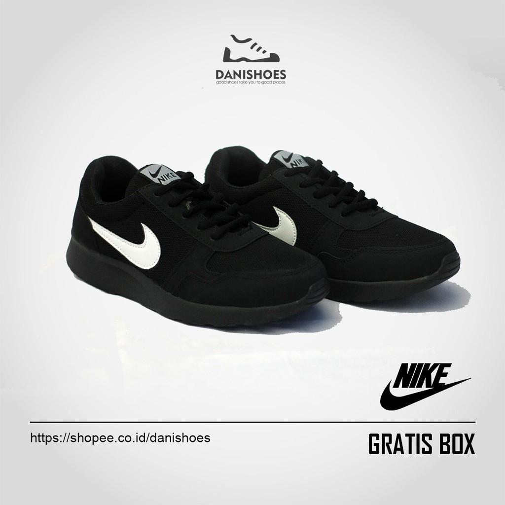 Sepatu Sekolah Hitam Sneakers Olahraga Pria Wanita Terbaru Cowok