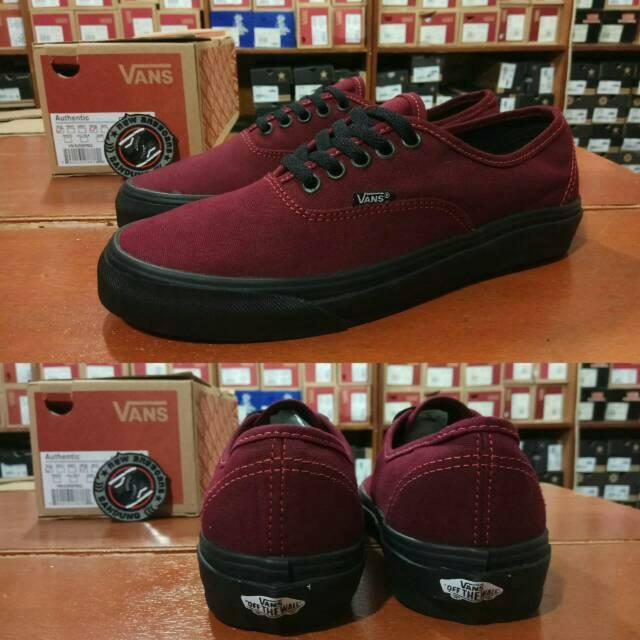 100% Premium Sepatu Vans Old Skool Mono Red Maroon Port Royale Portroyale  DT oldskool  6e3e3c10d2