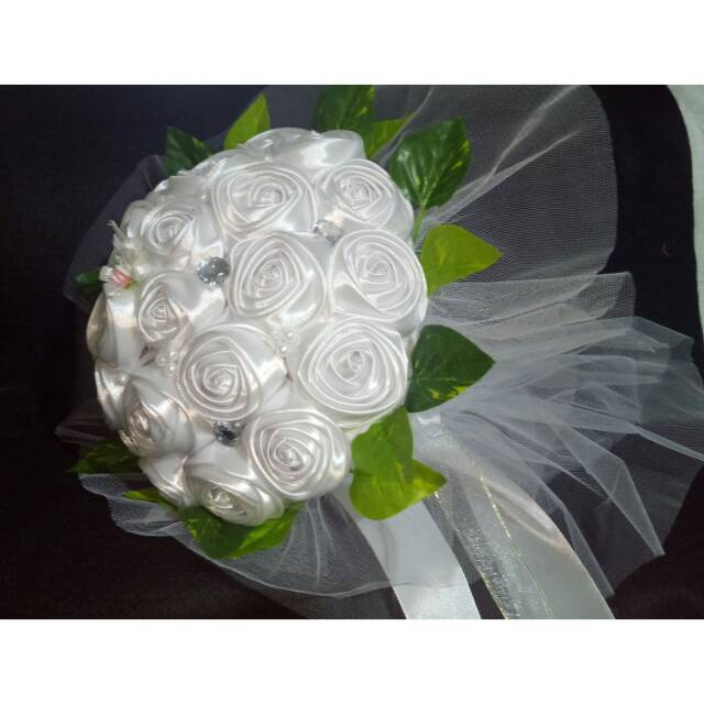 Hand Bucket Tile 128 Hand Buket Bunga Pengantin Bunga Pita Satin Wedding Wisuda Shopee Indonesia