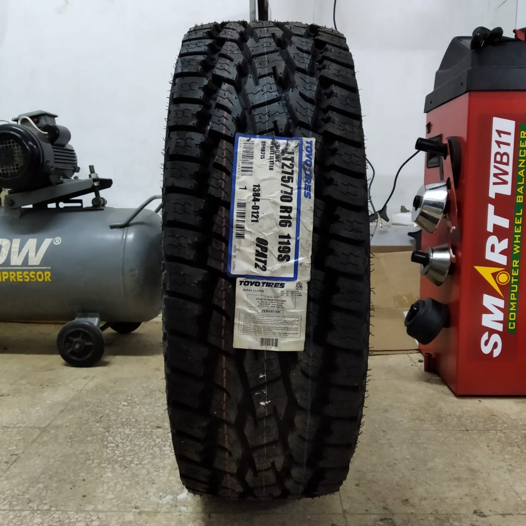 Ban toyo Open country AT2 UK 275 70 R16