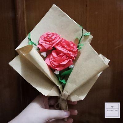 Buket Bunga Kertas 3 Mawar Merah Kertas Crepe Shopee Indonesia