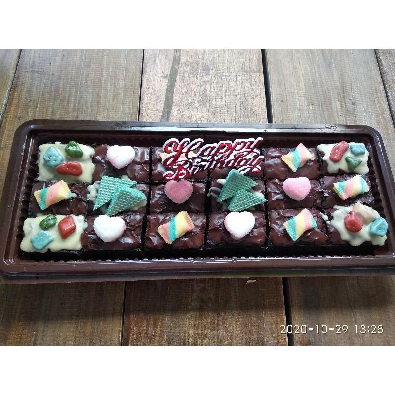 Brownies potong ulang tahun