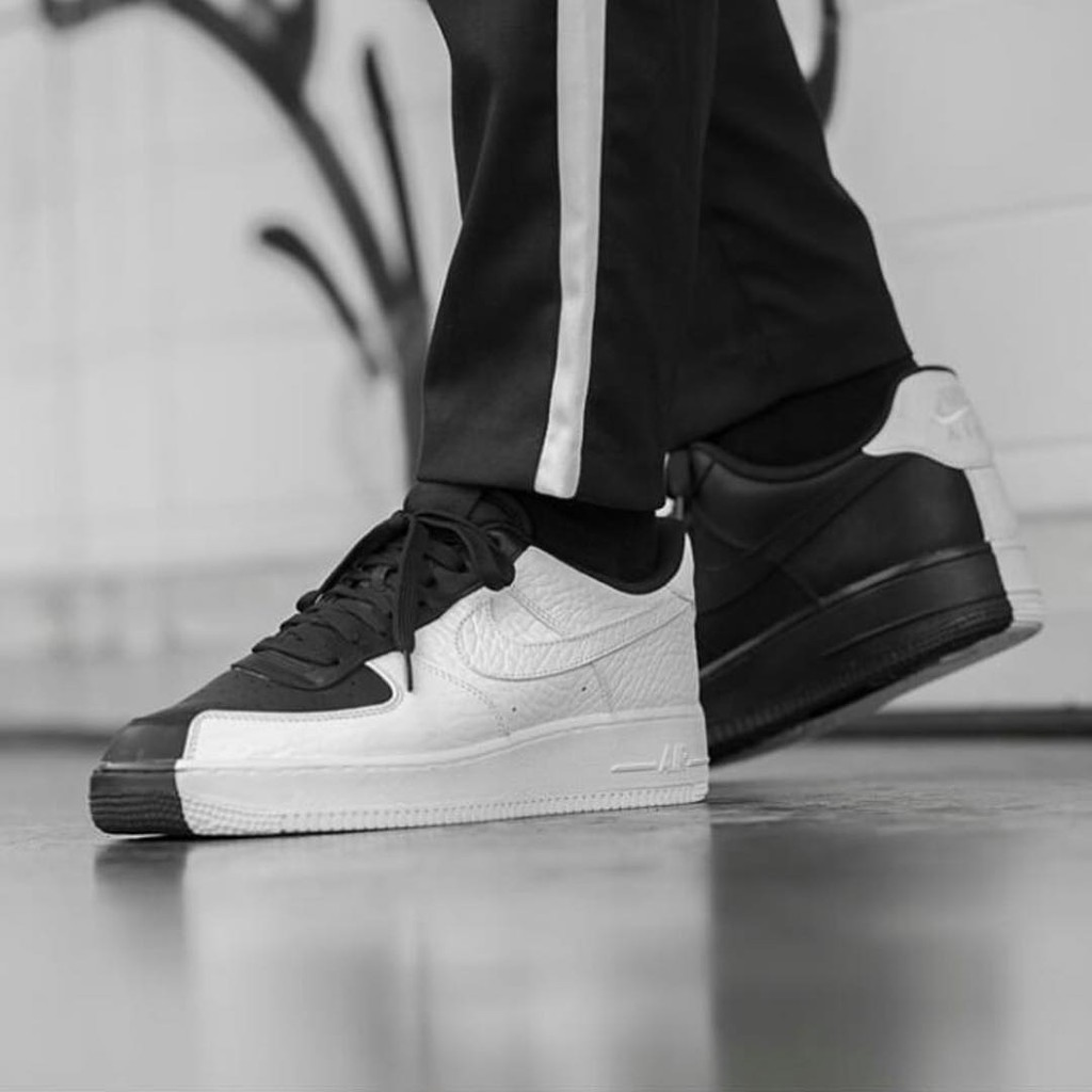 5bc718a5f Sepatu Pria Adidas NMD Pharrell Williams Human Race X Supreme Black White  Premium