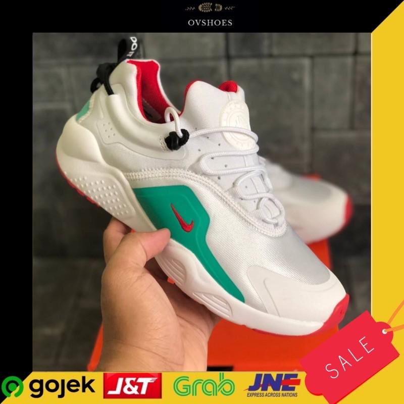 Sepatu Sneakers Wanita Nike Air Huarache City Move Summit White/Bright Crimson
