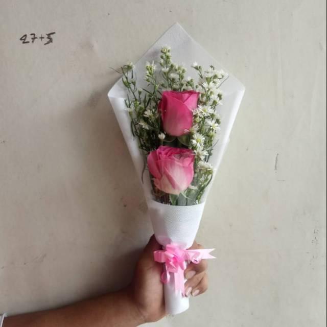 Hand Buket Bunga Mawar Asli Isi 2 Tangkai Shopee Indonesia