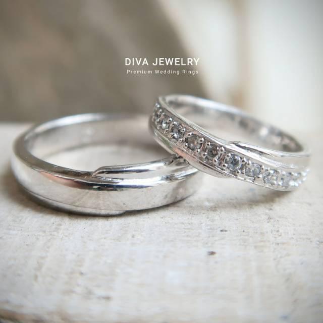 Cincin Pernikahan Simple Elegan
