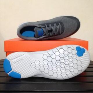 Pria Sepatu Running Diskon Sepatu Running Lari Nike Flex Experience RN 7  Grey . d21ef52522