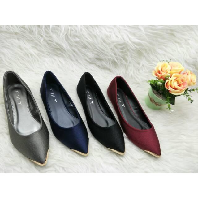 SEPATU BRANDED IMPORT MURAH - Sepatu YSL Classic Tribute Glossy Semi Premium  136  6bbaeb3786