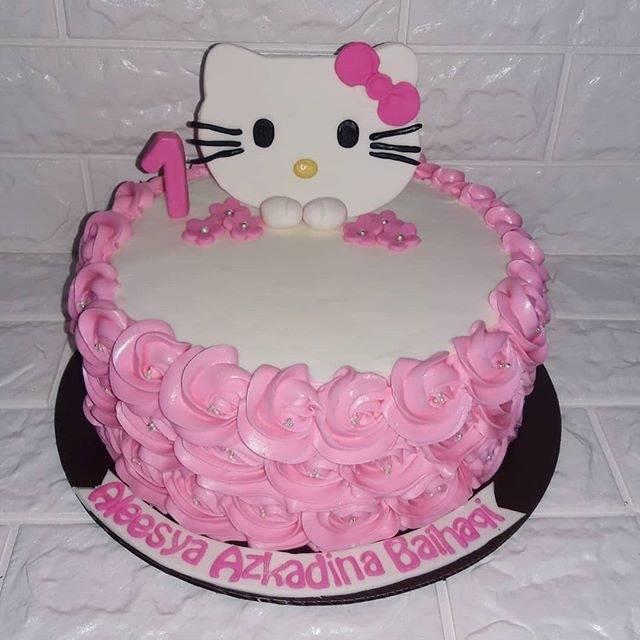 Kue Ulang Tahun Hello Kitty Buttercream Fondant Shopee Indonesia