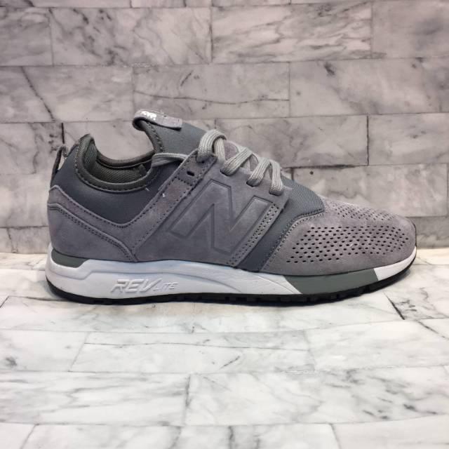 Sepatu Sneakers New Balance 247 Grey White