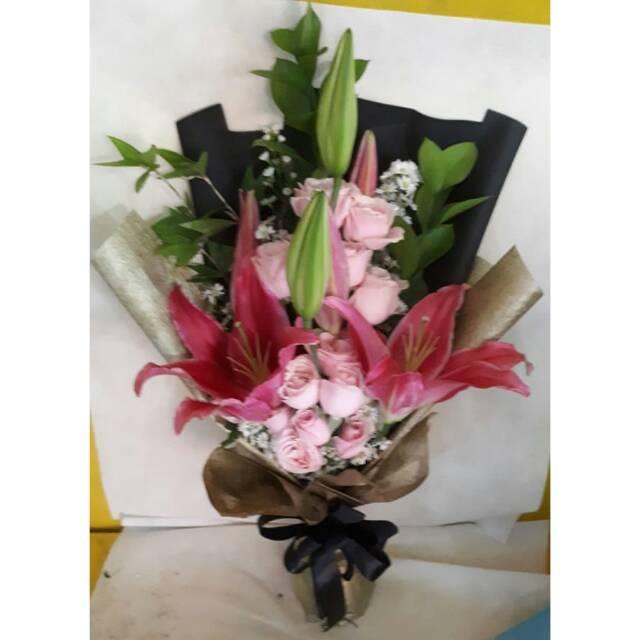Buket bunga mawar asli mix bunga lili kasablanka wangi  8b260a44c2