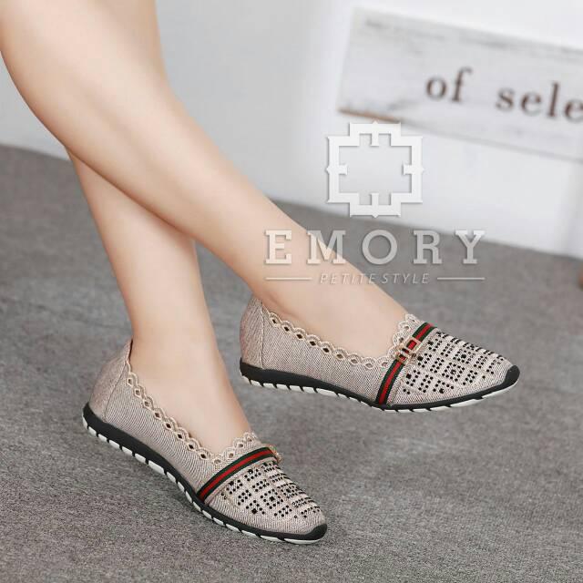 New Arrival Sepatu Emory Sneakers Import Murah Original Branded High  Quality Premium Grosir Batam  2c2d8e01ea