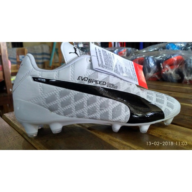 Promo!! Sepatu bola puma evo speed terbaru white komponen original ... da07e4fd9d