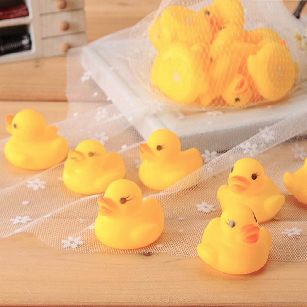 10 Buah Bebek Karet Mainan Untuk Mandi Anak Di Bath Tub