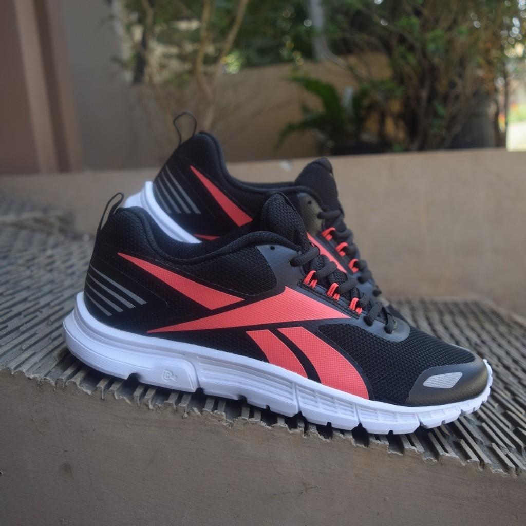 Promo Original Sepatu Reebok Triplehall 6 5 Sea Sports Running Training  a9deca9036