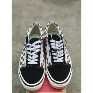 db71d7daf74 Sepatu Vans Old Skool 36 DX Anaheim Factory Checkerboard Black White