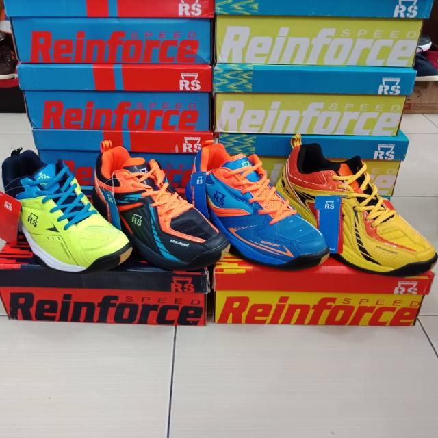 Sepatu Diadora Batminton Original. Sepatu Bulutangkis Original Brand Diadora   e3122b1386