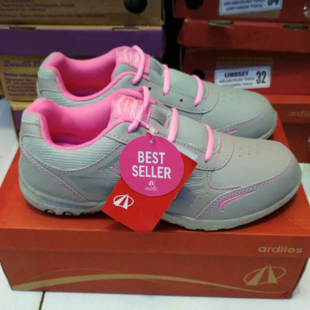 Sepatu Olahraga Cewe 44f802cf2d