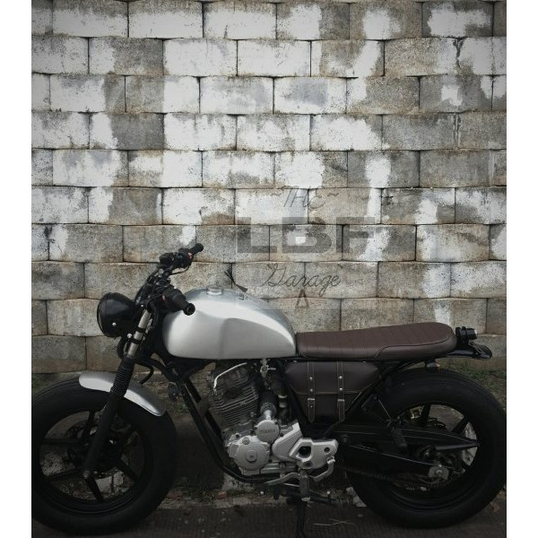 Tas motor classic   Side Bag   Cover Aki  Tutup Aki Caferacer Japstyle  0d2cd33747