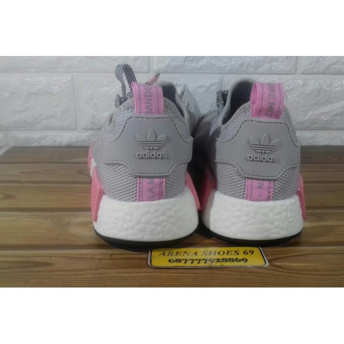 0c649208a New Selpatu Sepatu Sneakers  Sepatu Adidas Nmd R1 Womens - Grey Pink ...