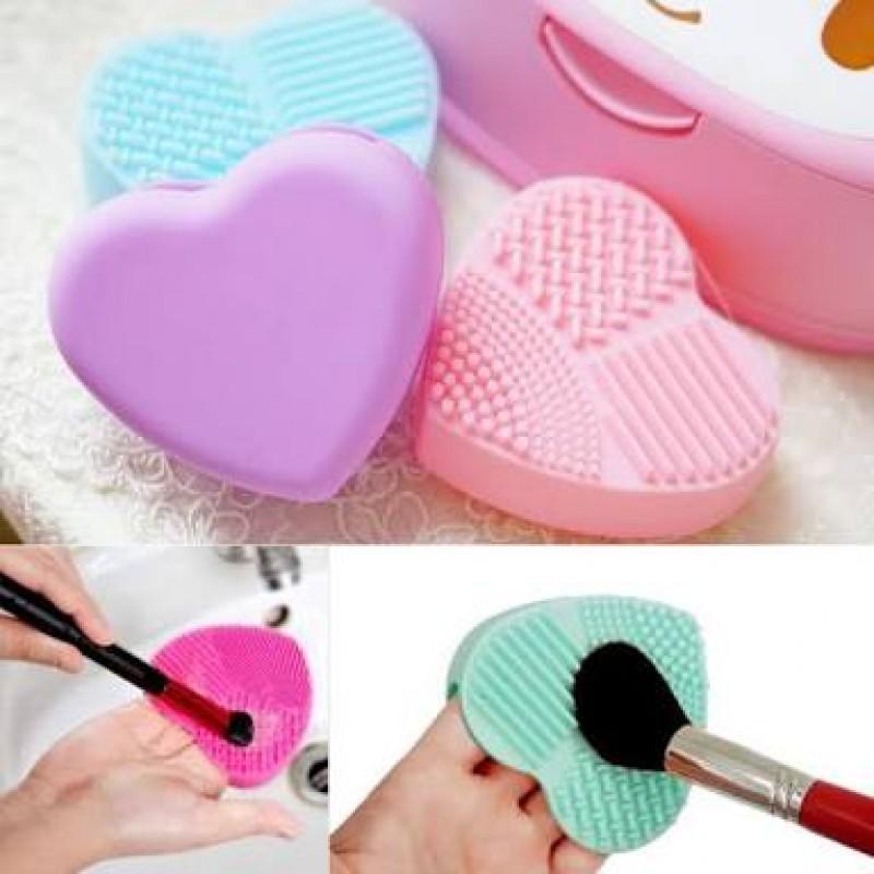 Brush Egg Heart Shape / Brush Egg Hati - Pembersih Kuas Make Up