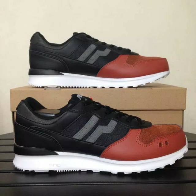 jogger+sepatu+pria+sepatu+olahraga+futsal - Temukan Harga dan Penawaran