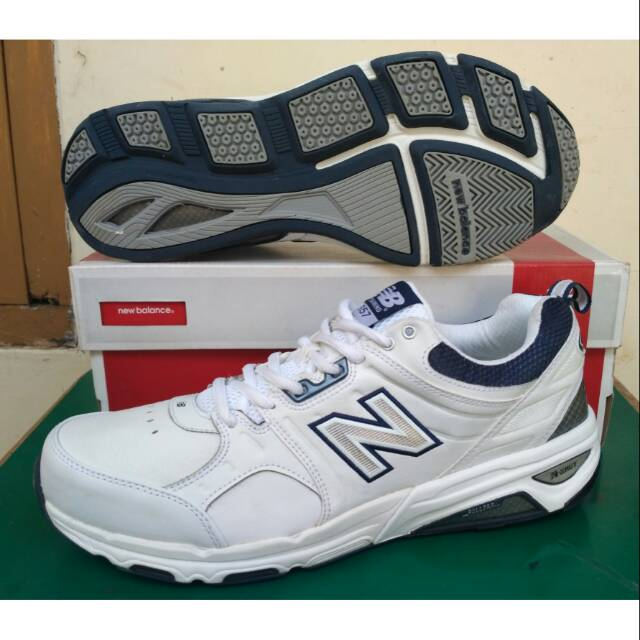 Sepatu Original New Balance Size 46 Big Size MX608V4W Besar Full Putih  Casual Sport Running Tennis  f3c87e055f33f