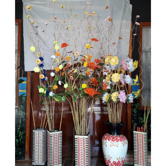 Bunga Hias Bambu Ulir Satu Paket 10 Tangkai Bunga Dan 1 Vas Shopee Indonesia