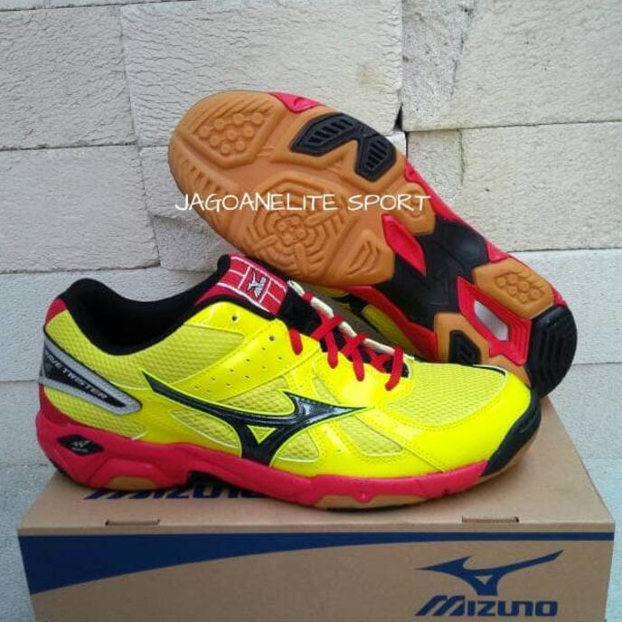 New Product Sepatu Voli   Pingpong   Badminton. Mizuno Wave Twister 4  Original. Free Ongkir  7ef0762228
