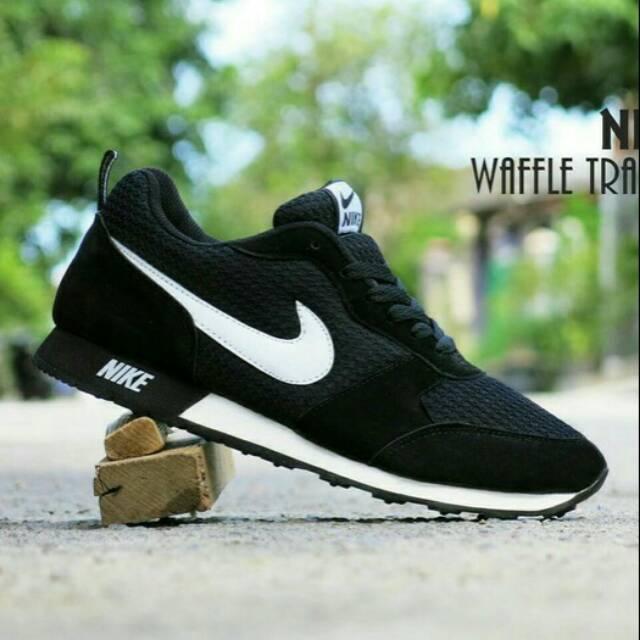 Sepatu Nike Jogging Pria Hitam Sneakers Pria Wanita Sepatu Pria