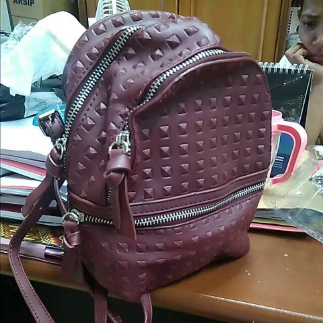 TAS BRANDED ORIGINAL 100% Zara Studded Backpack CEWEK WANITA CASUAL ... 877fbcd8d4