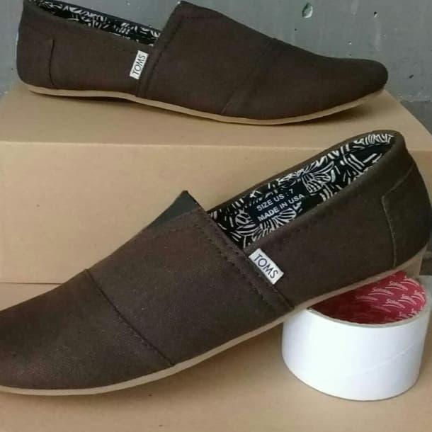 Sepatu slip on toms coklat/toms/sepatu pria/wanita ...