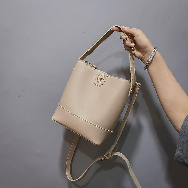 2018 musim dingin tas baru tas wanita Korea fashion pasang retro port angin tas bahu gadis lintas ta   Shopee Indonesia