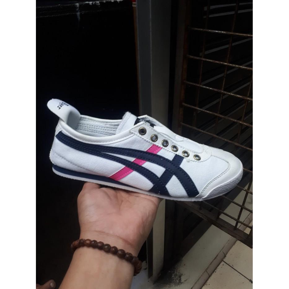 Diskon Sepatu Casual Wedges Kantor Sneaker Wanita Import Mylo Slip On Homyped Hpl 1724 Maroon 38 Ms0186 Shopee Indonesia