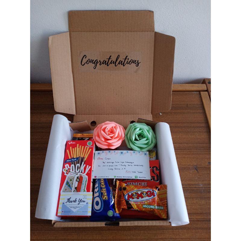 [Ready]hadiah valentine, hampers murah buket bunga mawar, snack box murah kado wisuda cowok cewek