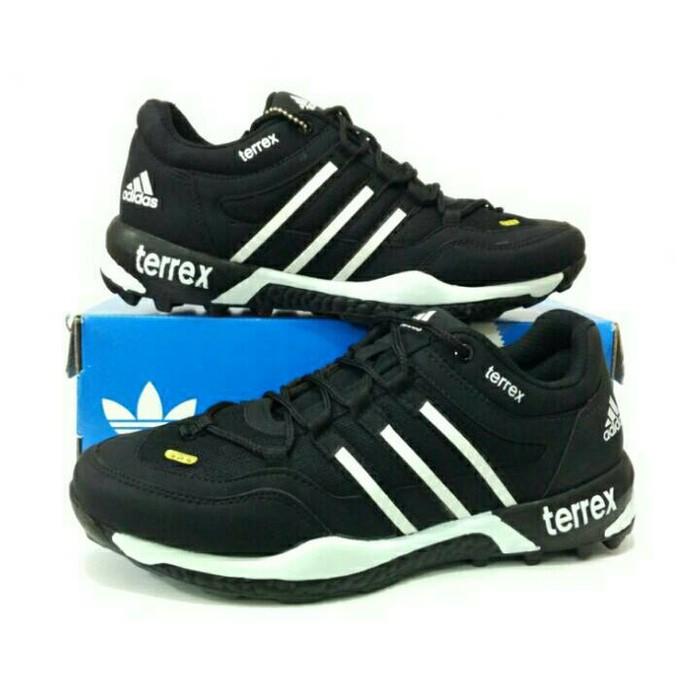 Turun Harga Sepatu Basket Adidas   Asics Volly Volley Jordan Nike League  Mizuno Murah  8fc3784543