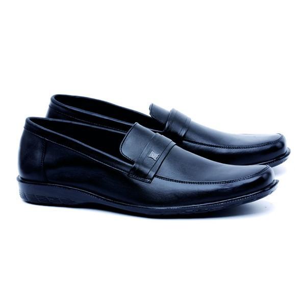 10 Rekomendasi Sepatu Pantofel Terbaik Untuk Pria Terbaru Tahun