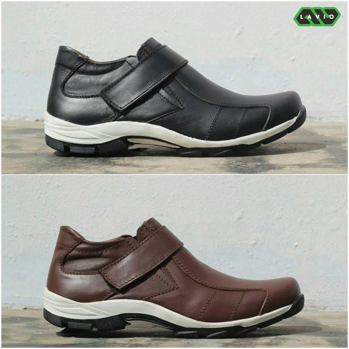Sepatu Sneakers Kasual Pria Santai Kantor Kerja Jalan Casual Tali Laki Gaya  Cowok Keren Bagus  b53226ad15