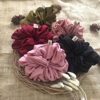 ( beli 2 free 1 ) Scrunchie Scruncie Srunchie Scrunchy Scrunchies Ikat rambut Cepol hijab thumbnail