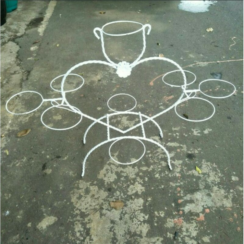 rak besi pot bunga isi 9 lubang pot 20/25/rak motif love/bahan besi ulir