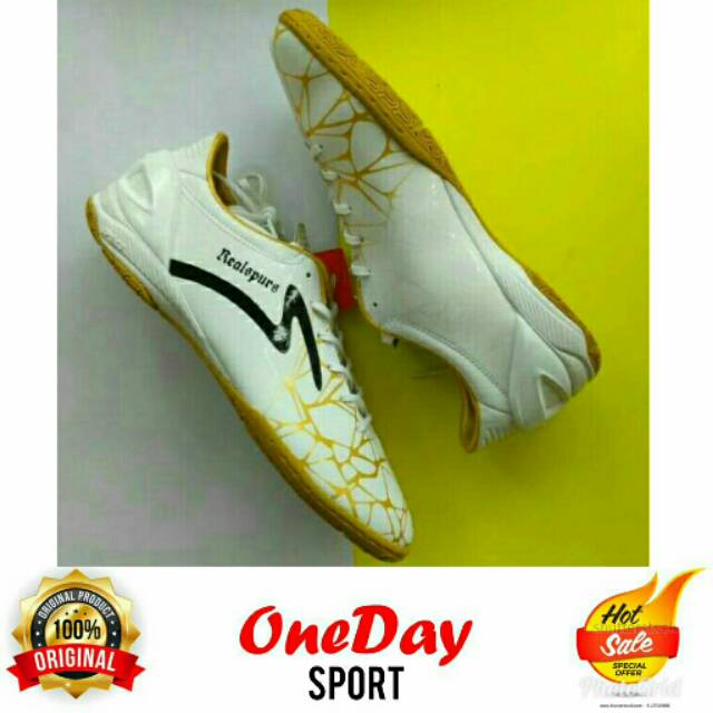 Sepatu Futsal Specs Accelerator Spyder White Gold Realspurs