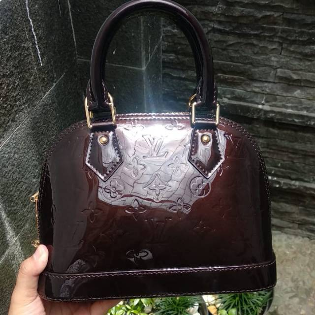 Lv Alma Bb Monogram Vernis Leather Shopee Indonesia