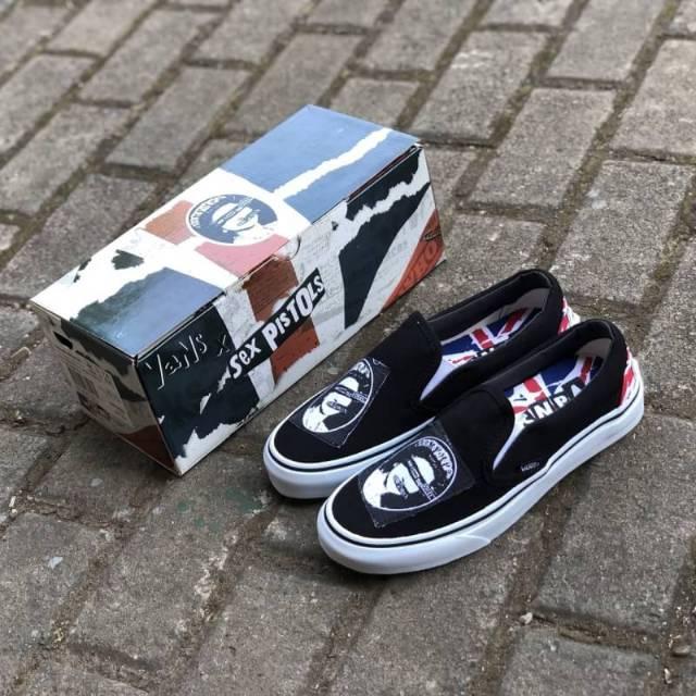 517a2066d5 Sepatu Vans x Sex Pistols Slip On Classic Black White BNIB Original Premium