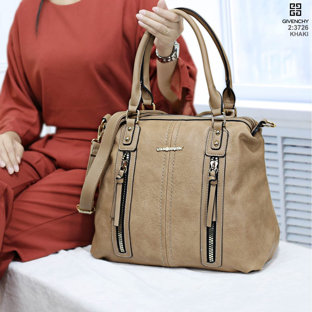d66c833ec0b7 17-01 Givenchy antigona Grained 4in1 (2247-3) EB