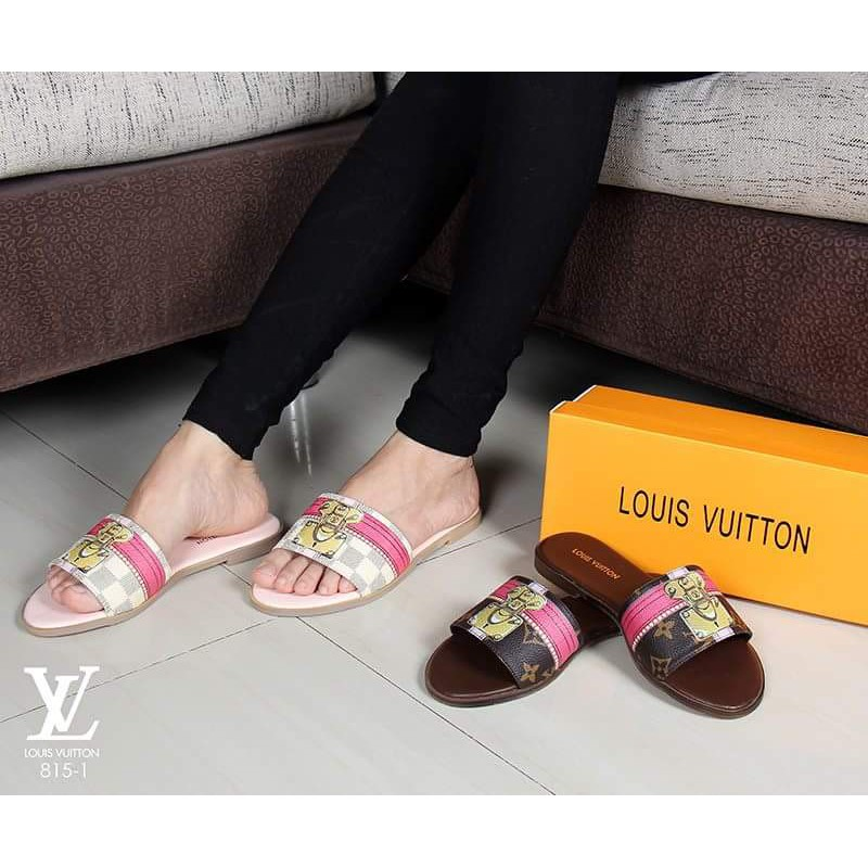 ec15b8ab30cf Louis Vuitton Peyton